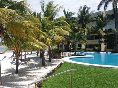 Photo for Beautiful beachfront apartment in Cancun