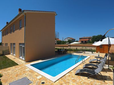 Photo for Holiday house Ližnjan for 12 - 14 persons with 6 bedrooms - Holiday house