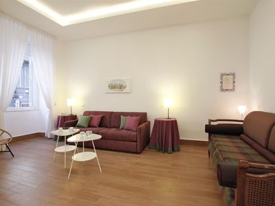 Photo for Crispi Modern spacious free wifi at the Spanish Steps