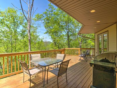 Photo for Cozy 'Walnut Cottage' w/Hot Tub & Deck in Franklin