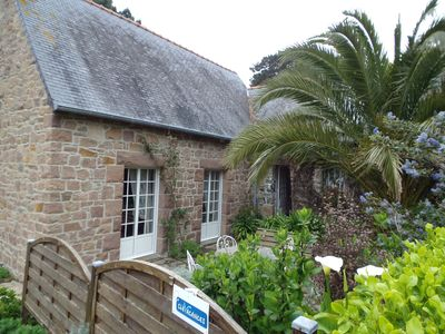 Photo for Promotion 24 / 08-30 / 08 Traditional Breton house, large landscaped garden.