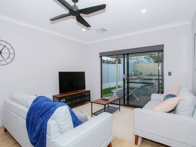 Photo for This house is a 4 bedroom(s), 2 bathrooms, located in Rivervale, WA.
