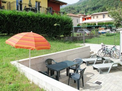 Photo for Lovely apartment for 4 guests with WIFI, pool, A/C, TV, balcony, pets allowed and parking
