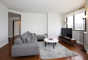 Photo for 2BR House Vacation Rental in Edgewater, New Jersey