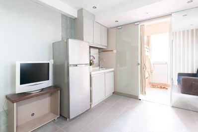 Nice Apt w/balcony (HD2) in Wanchai