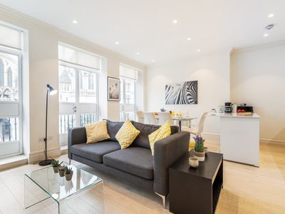 Photo for AMAZING CITY VIEWS AND BALCONY IN THE HEART OF LONDON - COVENT GARDEN 3BR