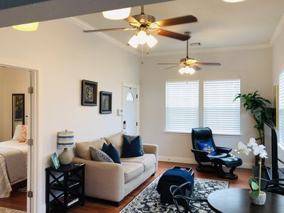 Cozy and Gracious Home Uptown/Broadmoor Area