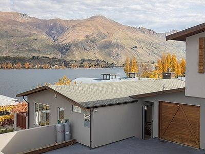 Photo for Lakeview Heights - Wanaka Holiday Home