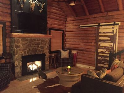 Photo for Cozy Mountain Log Cabin - AMAZING Location!