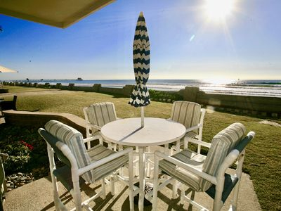 Photo for BEACHFRONT LOWER cottage, panoramic view, D31 - Hunter's Hideaway