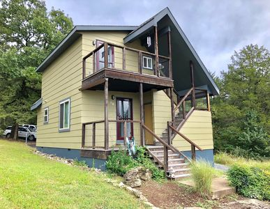 Photo for Woodsdale Architect's Loft, Marina, Golf, pool, 10 Min to Eureka Springs, Private & Updated