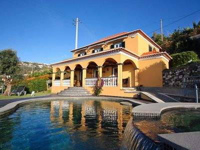 Photo for Lovingly restored old villa, heated pool, garden, sea views | Quinta Girassol