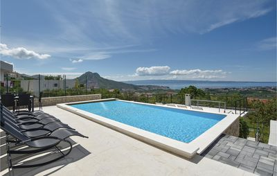 Photo for 4 bedroom accommodation in Mravince