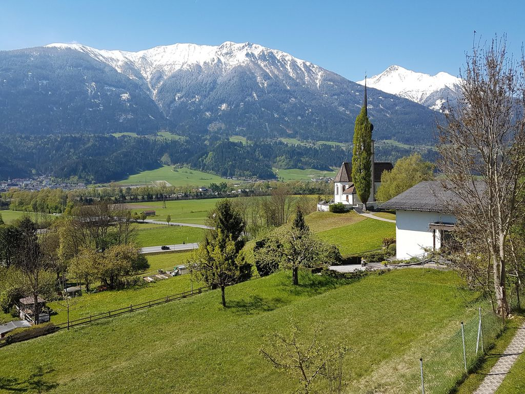 Apartment Leiblfing: Apartment with gorgeous view to the Inn-valley ...