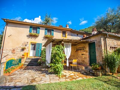 Photo for Charming Farmhouse Located in  Tuscany