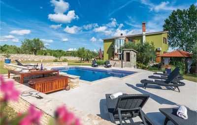 Photo for 4 bedroom accommodation in Galizana