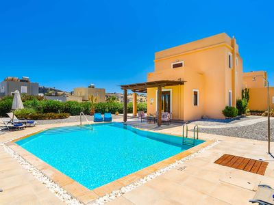 Photo for Villa Ophelia - beautiful villa with pool, air-con, Wi-Fi, ping-pong & more!