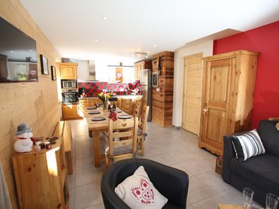 Photo for Center of Valloire 4 * 60m2 apartment in south-facing cottage