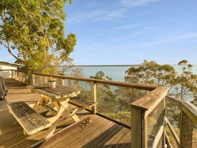 Photo for Lakescapes-Cottage - Metung, VIC