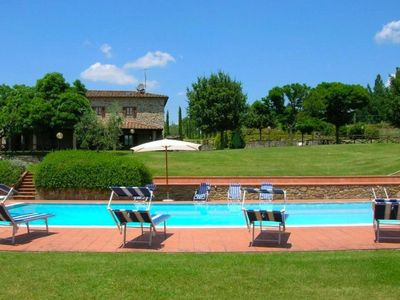 Photo for Stunning private villa with private pool, A/C, WIFI, TV, pets allowed and parking, close to Arezzo