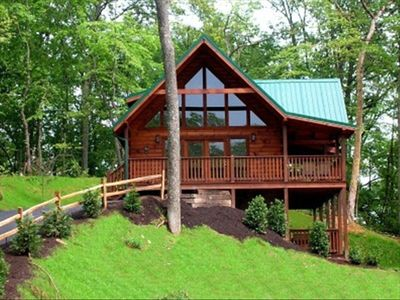 """Photo for STUNNING (5) STAR CABIN-""""Spring Special"""" - $50.00/ OFF per night (04/25-5/24/19)"""