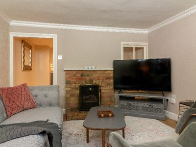 Photo for The Haslingfield Retreat - Charming 2BDR Cottage with Garden