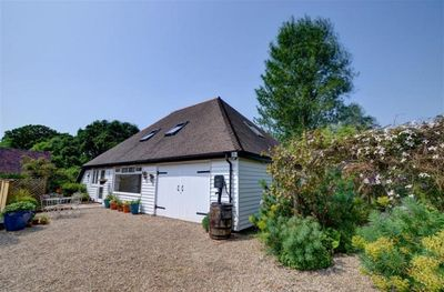 Spacious, comfortable and clean in secluded rural location - sleeps 2