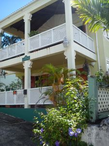 Photo for Spacious Comfortable Apartments Steps From The Beach At Paynes Bay. Sunbeams.