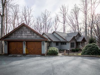 Photo for The Blessing - Vaulted ceilings, bunk room, hot tub, game room!! 15 mins to Boone.