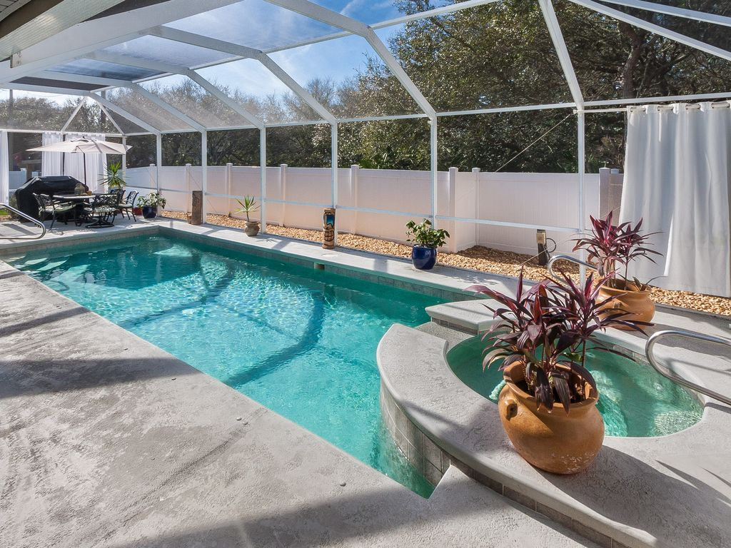 Heated pool hot tub outdoor tv golf cart pet friendly - Pet friendly cottages with swimming pool ...