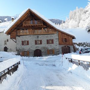 Photo for Beautiful restaurant on the slopes 4 bedrooms, 4 bathrooms, very large living room / kitchen