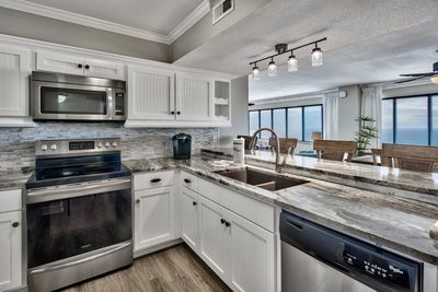 Beautiful and fully stocked kitchen