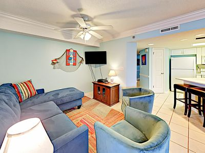Photo for 4th-Floor Phoenix VII w/ Gulf Views, Tennis & Pools - Right on the Beach!