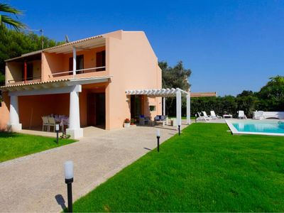 Photo for Stunning villa with swimming pool and fully fenced garden / Only 1,5 Km to the sea / Located in a li