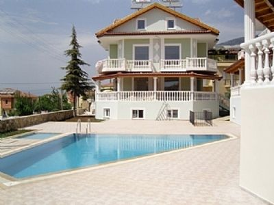 Photo for Spacious Apartment with Shared Pool in a great location.