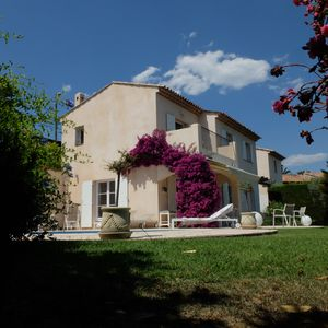 Photo for Villa located in Cagnes-sur-Mer, Cote d'Azur. For 8 people, with a swimming pool