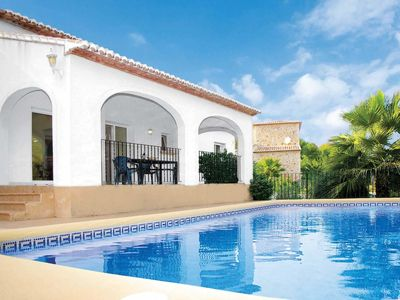 Photo for 4 bed Villa w/pool & BBQ, close to amenities & the beach
