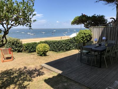 Photo for Luxurious apartment IN FRONT OF SEA, garden and private access to the beach, parking