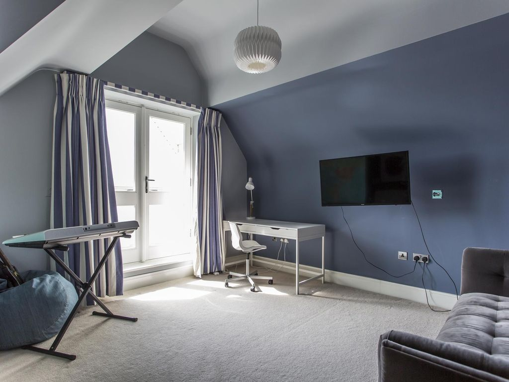 Clavering Place II - luxury 5 bedrooms serviced apartment - Travel Keys