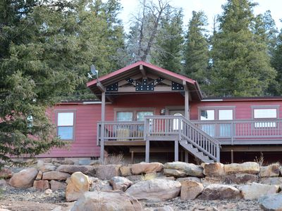 Red Mountain Ranch is a luxurious 4 bedroom/4 bath mountain vacation home.