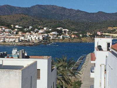 Photo for 2 bedroom Apartment, sleeps 5 with Walk to Beach & Shops