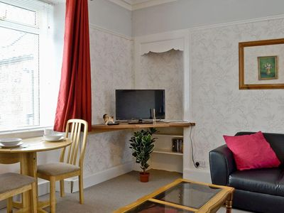 Photo for 1 bedroom property in Glasgow. Pet friendly.