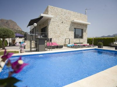 Photo for 4 bedroom Villa, sleeps 8 in Polop with Pool, Air Con and WiFi