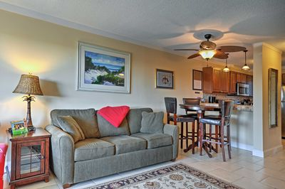 Relax and recharge at this updated condo in the Hilton Head Island resort!