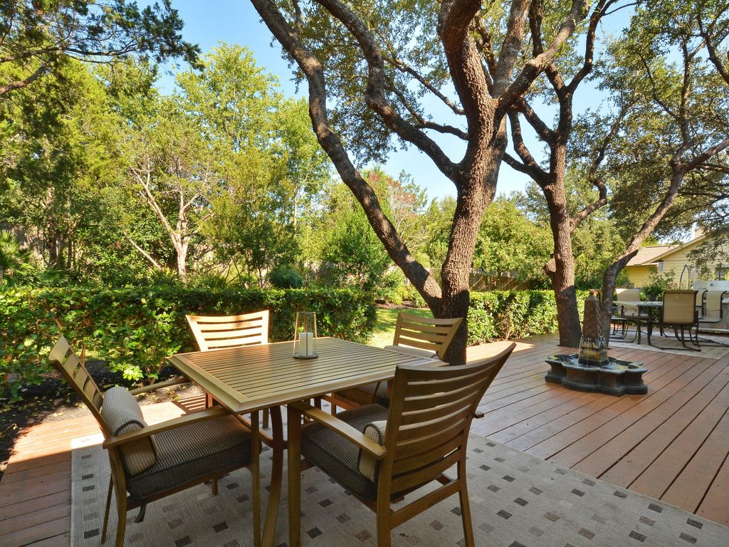 4BR 2BA Beautiful Cottage At Lake Austin Sleeps 8 10