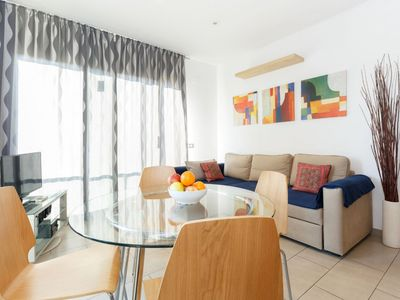 Photo for Aymà Platja apartment in Poblenou with WiFi, integrated air conditioning (hot / cold) & lift.
