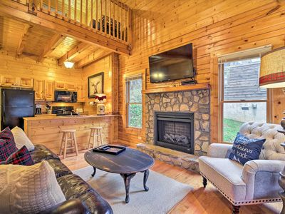 Photo for Pigeon Forge Cabin w/ Hot Tub < 5 Mi to Dollywood!