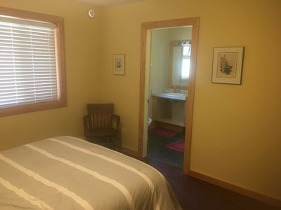 Photo for Gabriola bed and breakfast near Silva Bay marinas. Private room with ensuite ñ
