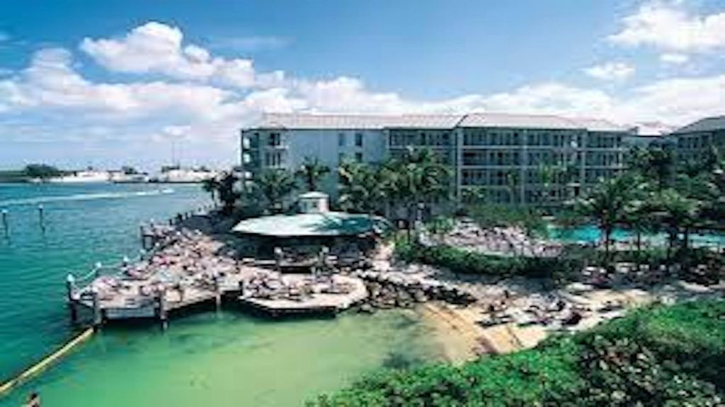 the galleon resort great marina view great location in. Black Bedroom Furniture Sets. Home Design Ideas