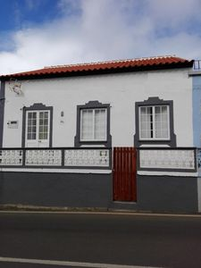 Photo for Villa Vila Praia da Vitória for 1 - 6 people with 3 bedrooms - Holiday home